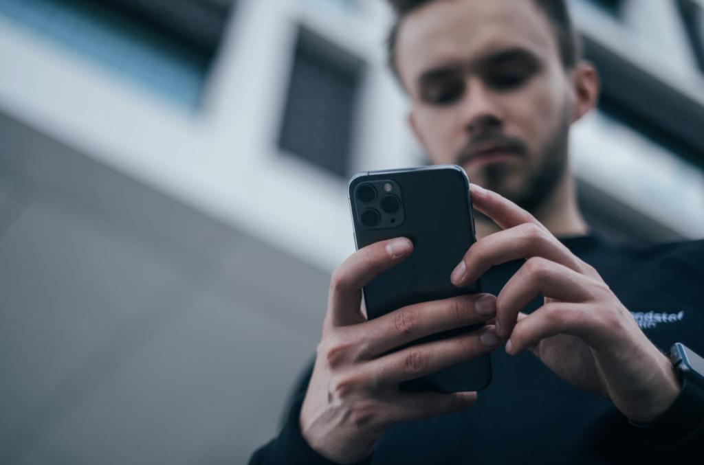 Как реагировать на отрицательные отзывы клиентов онлайн